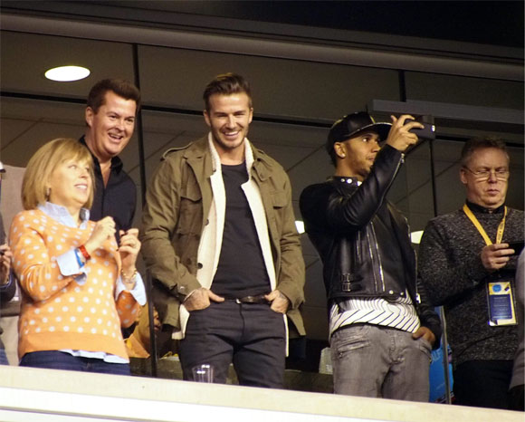 El 'desnudo' de David Beckham, el entusiasmo de Catherine Zeta Jones, música y espectáculo... ¡esto es la Super Bowl!