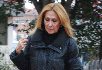 Rosa Benito recibe el alta y abandona el hospital
