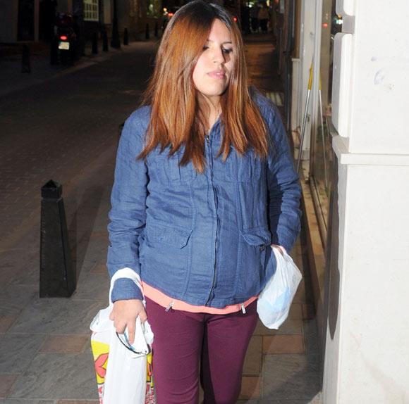 María Isabel Pantoja pasea por Fuengirola días antes de dar a luz