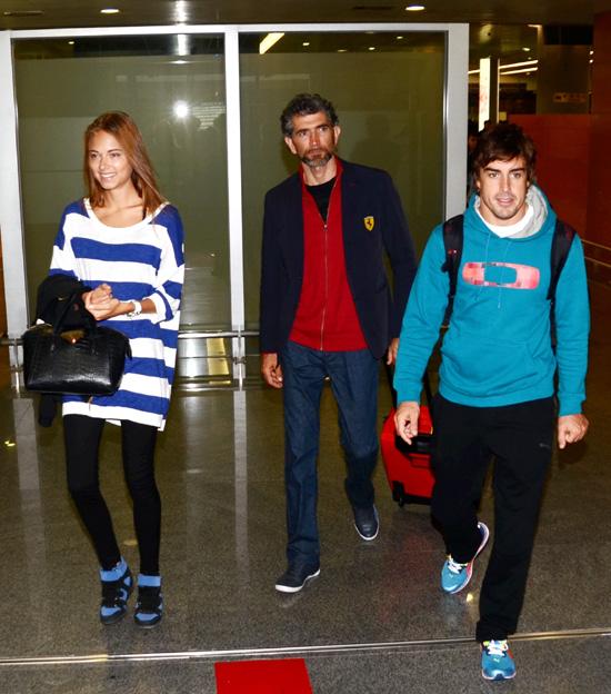 Fernando Alonso logra su primer puesto de la temporada en Shanghái gracias a su mejor talismán: Dasha Kapustina