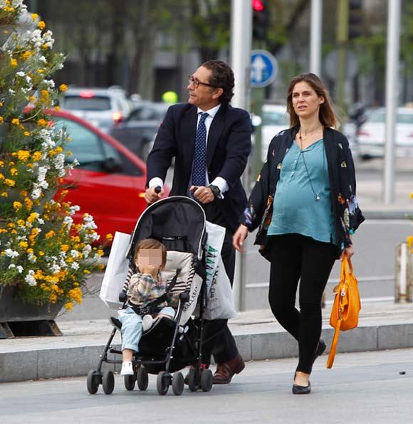 Álvaro Fuster y Beatriz Mira, padres de una niña llamada Beatriz