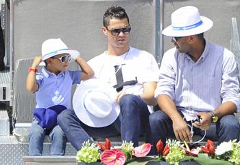 Cristiano Ronaldo lleva a su hijo a disfrutar del mejor tenista del mundo, Rafa Nadal