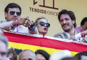 Jamón de jabugo, toros y buenos amigos, así fue el fin de semana español de Karolina Kurkova
