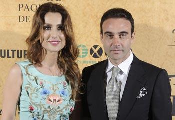 Una orgullosa Paloma Cuevas aplaude a Enrique Ponce en los reconocimientos por sus 25 años en los ruedos