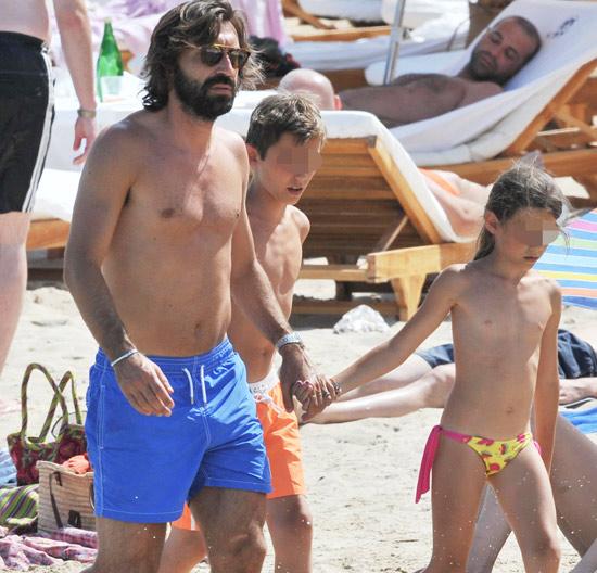 Andrea Pirlo, del Mundial de Brasil con su selección, a las playas de Ibiza con sus hijos