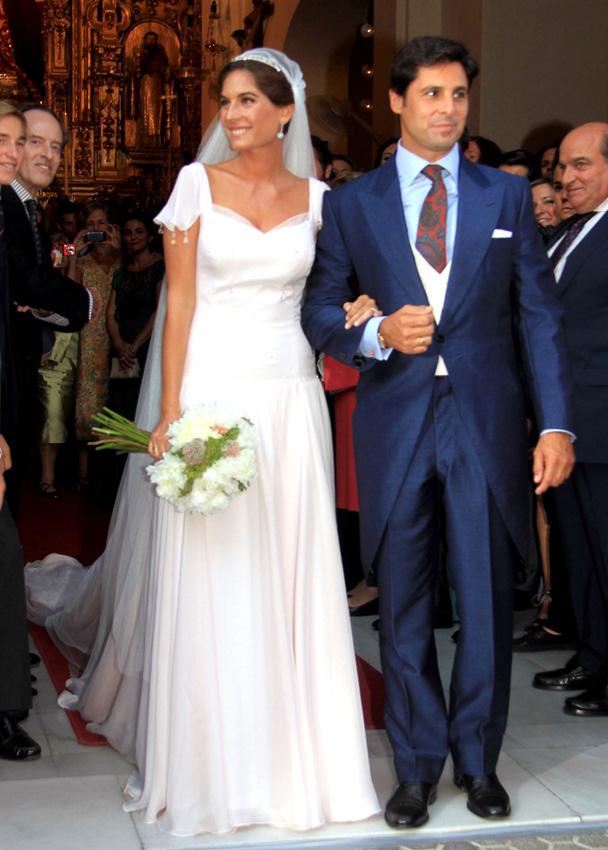 ¡HOLA! adelanta su edición al lunes con motivo de la boda soñada de Francisco Rivera y Lourdes Montes