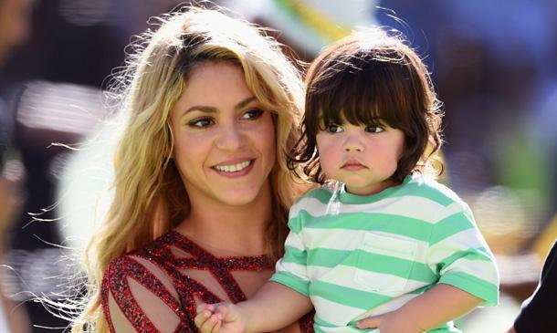 Carles Puyol y Vanesa Lorenzo, Milan Piqué... bailan al ritmo de Shakira en la final del Mundial de Brasil