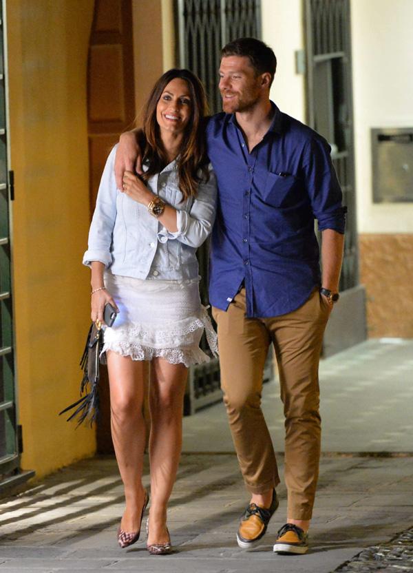 Xabi Alonso y Nagore Aranburu, amor a la italiana para celebrar sus cinco años de matrimonio