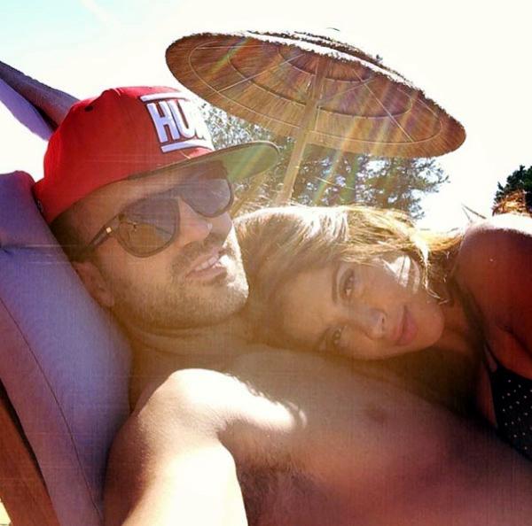 Días de playa con su hija, noches de fiesta con los amigos: las vacaciones de Cesc Fábregas y Daniella Semaan