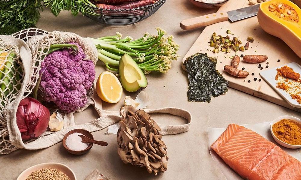 Los expertos recomiendan: estos son los 8 alimentos que no pueden faltar en tu cesta de la compra