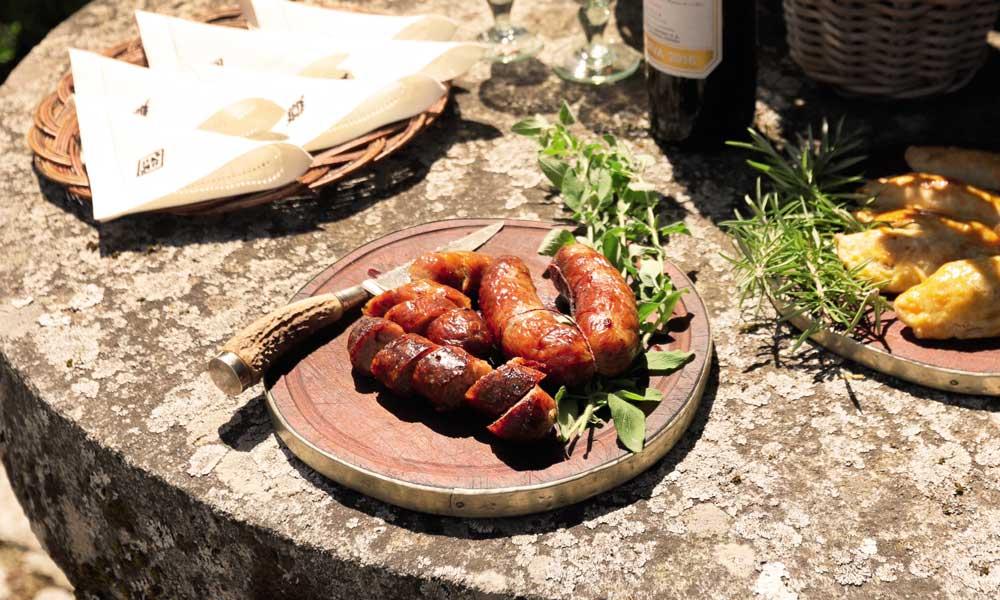 Aprende a preparar el asado argentino según la tradición de la familia Salazar-Simpson
