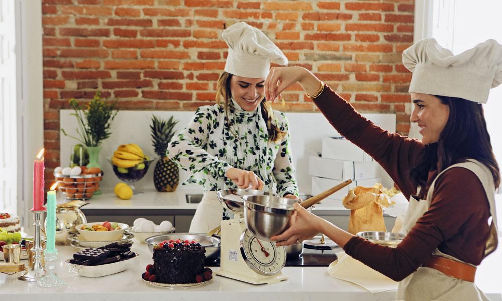 Aprende a preparar los profiteroles más deliciosos con la receta de Moira Laporta y Belén Barnechea