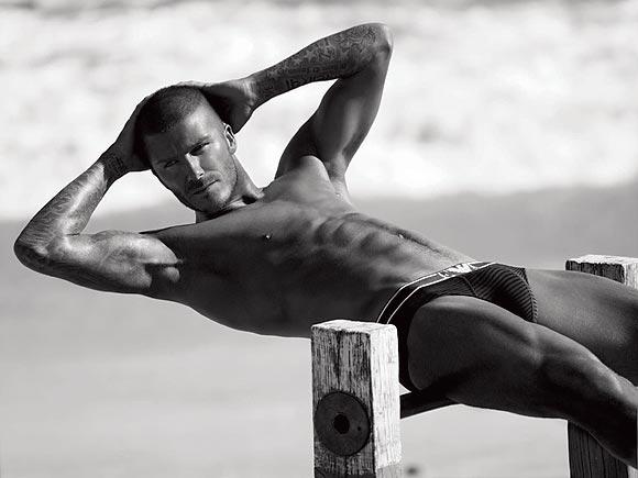 Nuevas imágenes: David Beckham renueva como modelo de la ropa interior de Armani