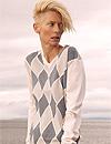 Tilda Swinton 'pone cara' a una firma de ropa masculina