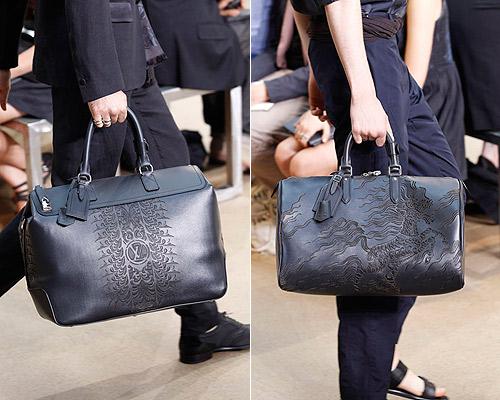 los motivos grabados y repujados en piel ensalzando el logo de la firma para los bolsos en color negro y estampados y serigrafas de dragones para los