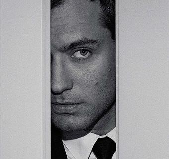 Jude Law se 'asoma' a la nueva campaña de Dior