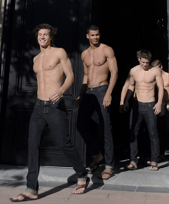 Son abercrombie fitch modelos masculinos gay