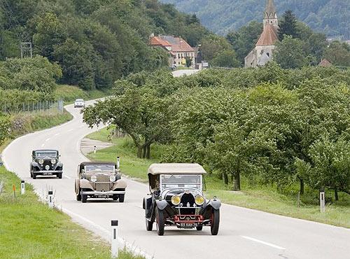De Montecarlo a Venecia: La carrera de coches 'vintage' de Louis Vuitton