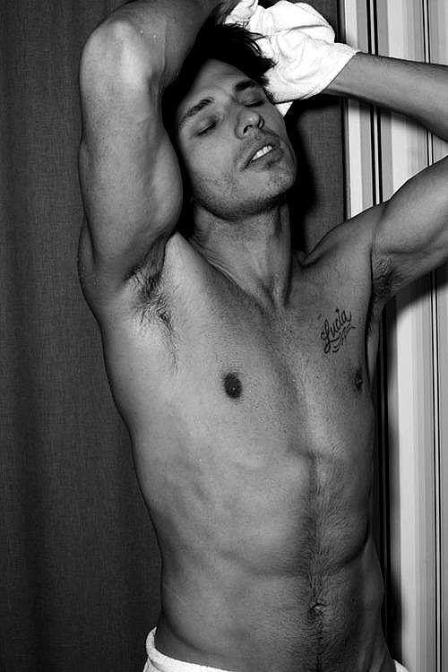 Andrés Velencoso es 'El hombre', según Dolce & Gabbana