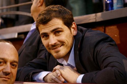 Iker Casillas apuesta por un pelo más sano esta temporada