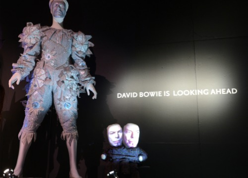 La exposición sobre David Bowie, desde dentro