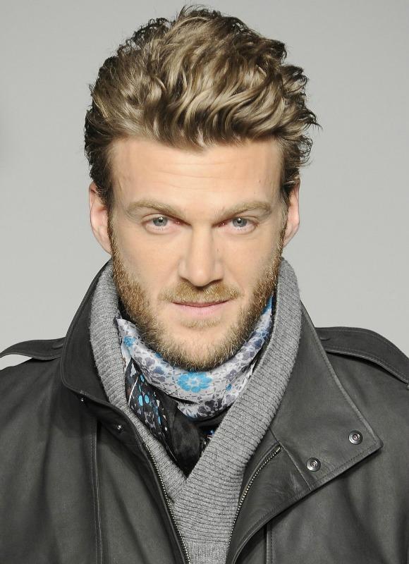 Los diez cortes de pelo para hombre de la temporada foto for Peinado hacia atras hombre