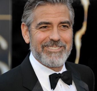 Doce 'looks' de boda para George Clooney