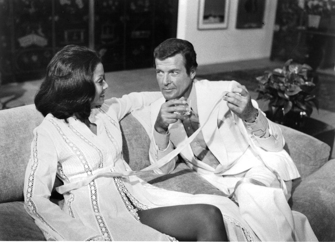 Roger Moore, el actor que logró que James Bond pudiera envejecer. Personalmente es mi favorito.