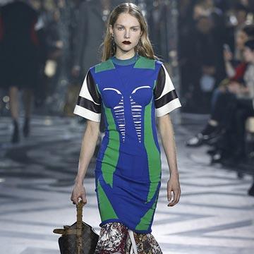 En vídeo, el desfile de Louis Vuitton desde París