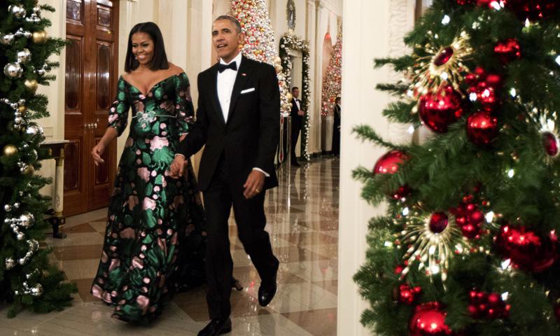 El curioso look navideño de Michelle Obama durante la gala de los Kennedy Center Honors