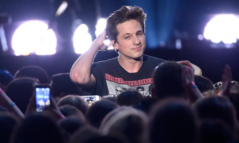 Moda y música: Así es el icono de estilo Charlie Puth