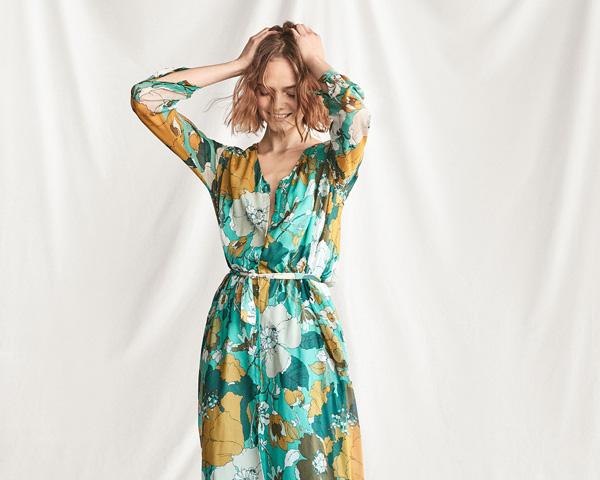 Explota tu feminidad con los vestidos fluidos de Massimo Dutti