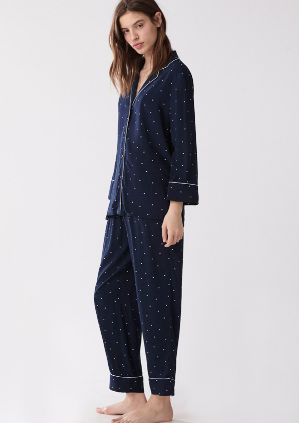 df075f141 Oysho  7 pijamas que no pueden faltar en tu armario - Foto