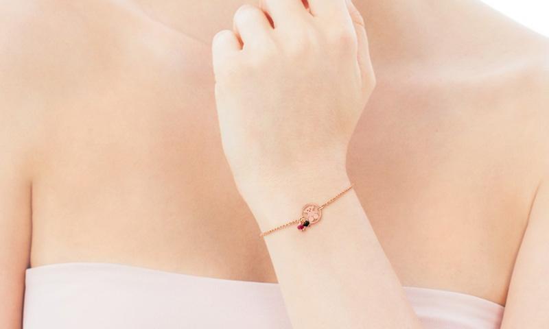 Un plus de distinción y buen gusto: pulseras de Tous de 'vermeil' rosa