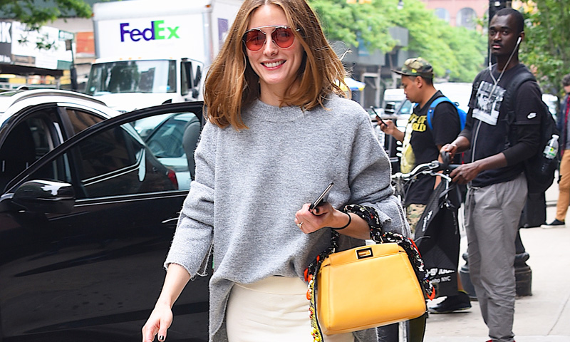 La 'celebrities' lo tienen claro: si compras un bolso que sea amarillo