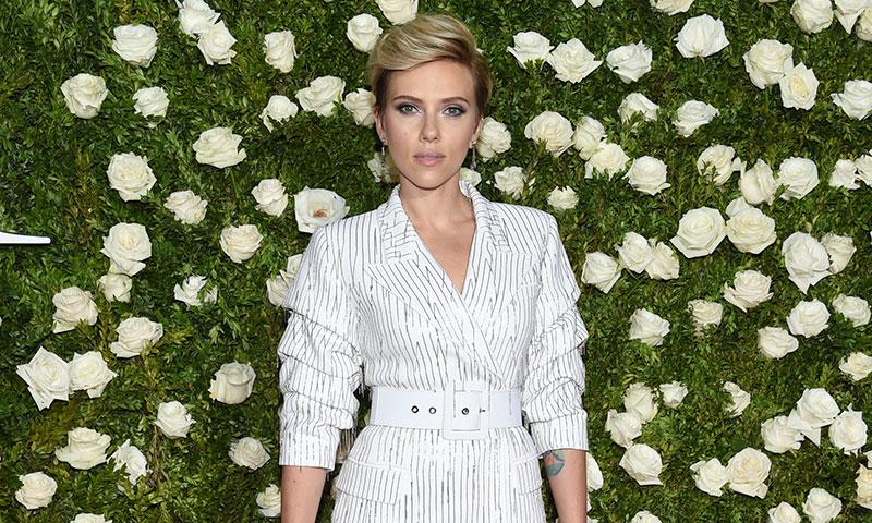 El look de Scarlett Johansson en los Tony Awards (y otras 11 veces más que nos conquistó sobre la alfombra roja)