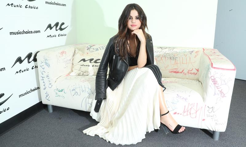 Shopping: Las sandalias son para el verano y Selena Gómez lo sabe