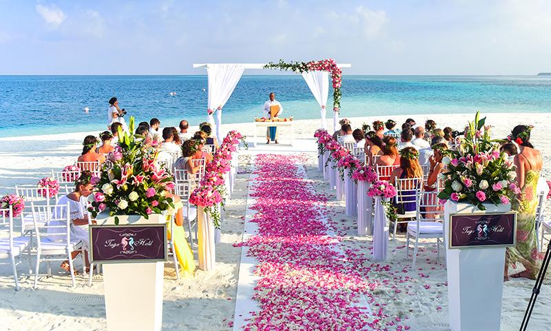 Vestidos ibicencos El triunfo de la naturalidad en las bodas de