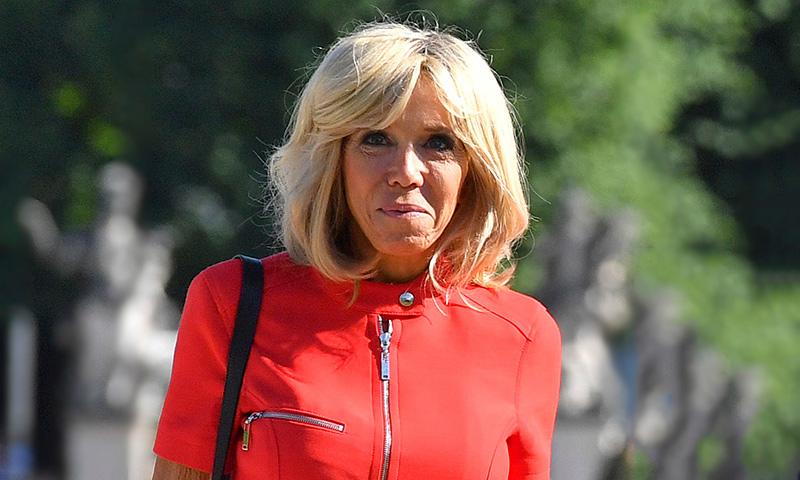 ¿Por qué todo el mundo habla del último look de Brigitte Macron?