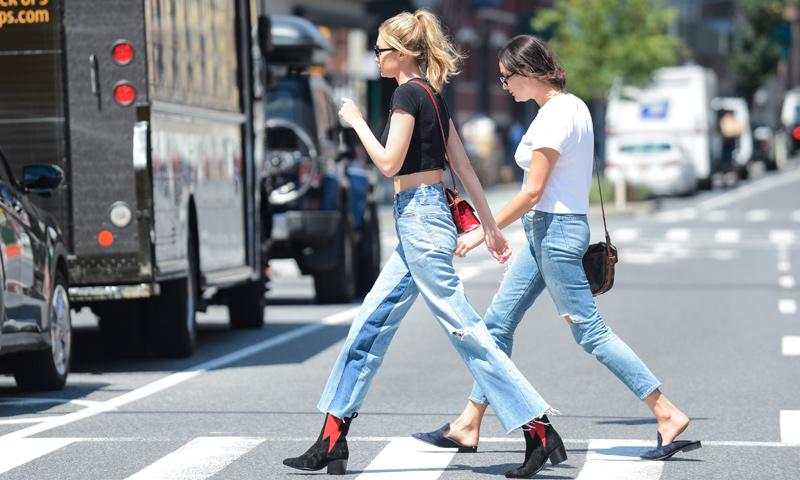 Del 'skinny' a los 'ripped jeans': conoce el diccionario 'denim' de la mano de Gigi Hadid