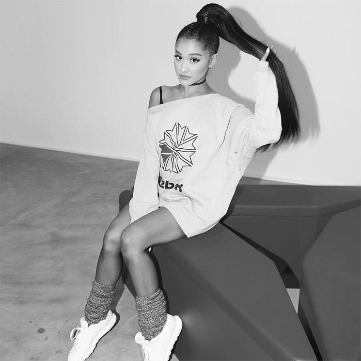 Su Inspirada Vuelve 'sporty Gracias Grande Firma A Ariana Estar Zwz5PxYnq