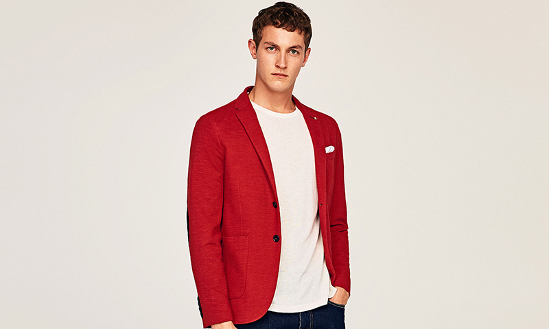 zara traje rojo hombre