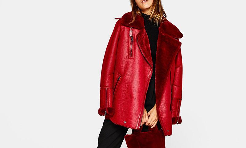 ¿Te gusta el color rojo? Así luce tu color favorito en la colección otoño-invierno de Bershka