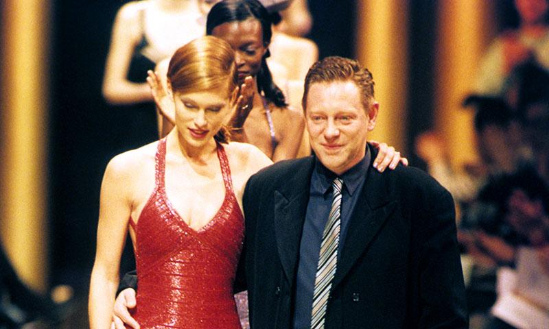 Adiós a Hervé Léger, el creador del vestido que no dejaba nada a la imaginación
