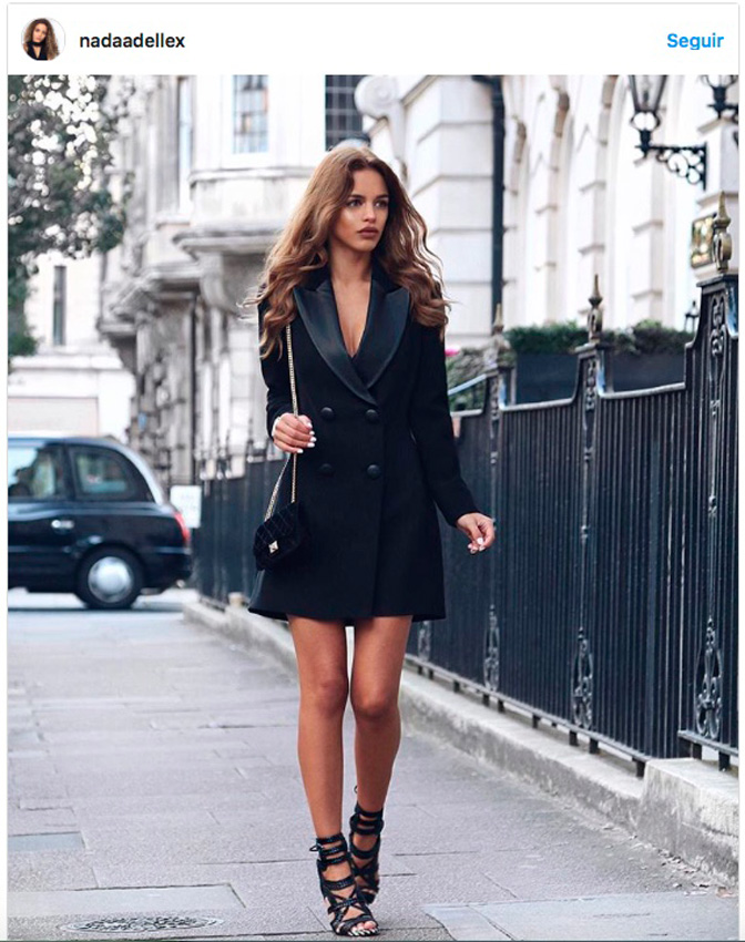 Vestido corto tipo blazer