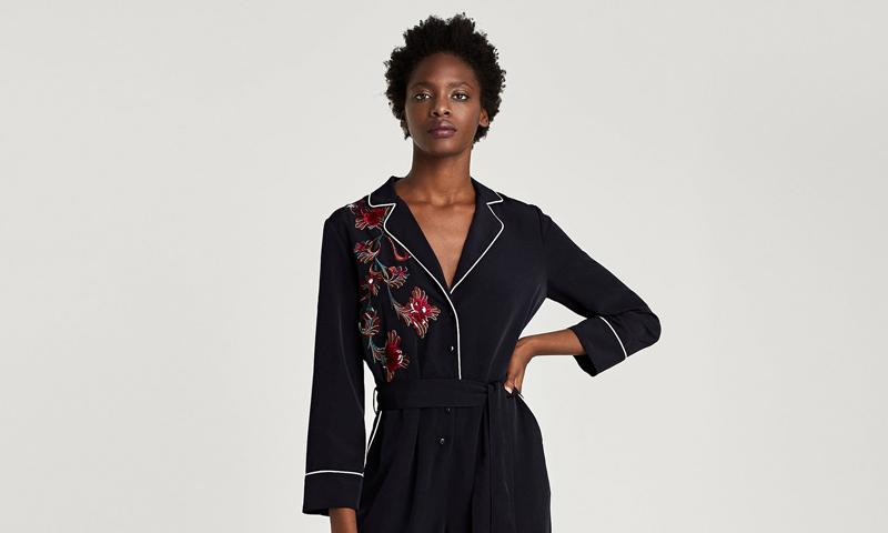 Estilo y comodidad, dos razones de peso para incluir un 'jumpsuit' de Zara en tu armario