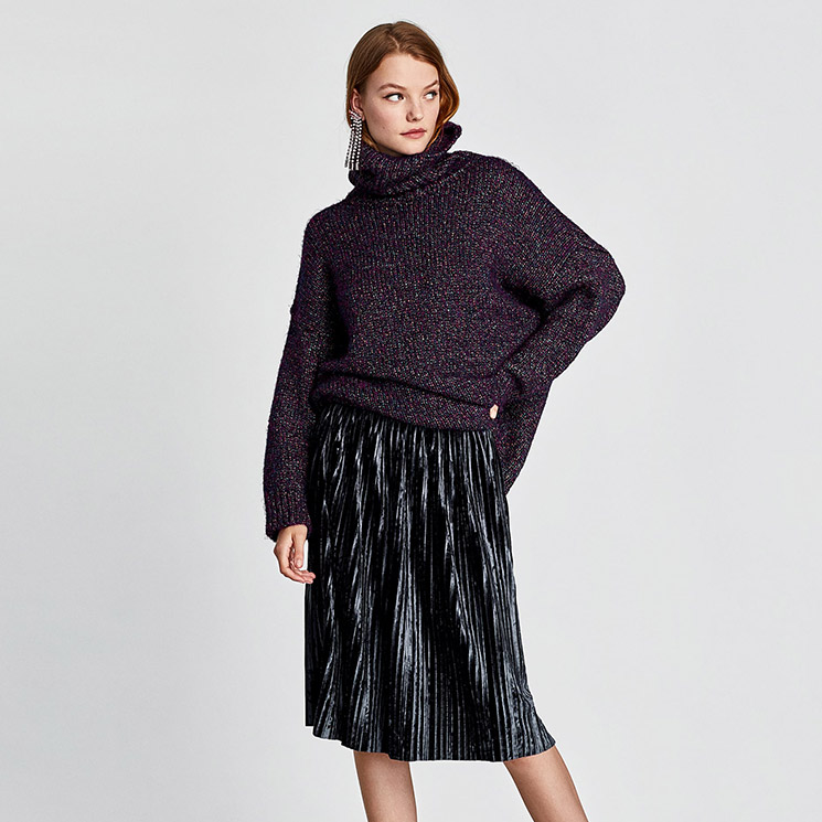 c15ab4757f ¿Aún tienes dudas sobre si comprarte una falda plisada  Zara te lo pone muy