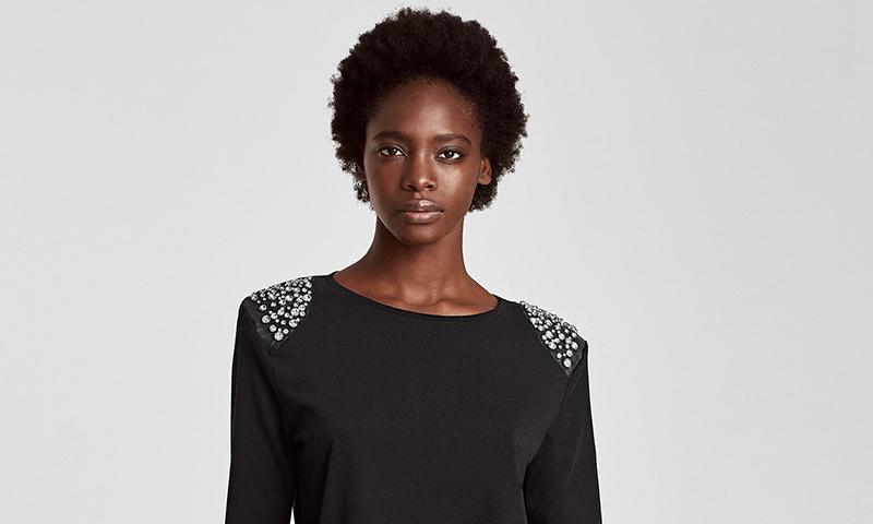 Brillarás (literalmente) con las camisetas 'joya' de Zara