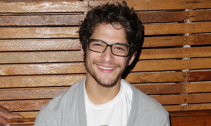 'Shopping': lentes graduadas, el accesorio 'it' de Tyler Posey que triunfa esta temporada