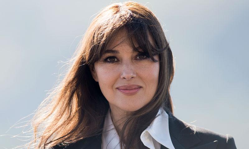 Monica Bellucci, la perfecta mujer de rojo en París